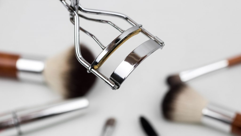 The 7 Best Eyelash Curlers On The Market Chic Girl Online