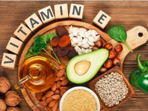 Vitamin E for healthy eyelashes