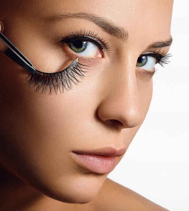 choose false eyelashes